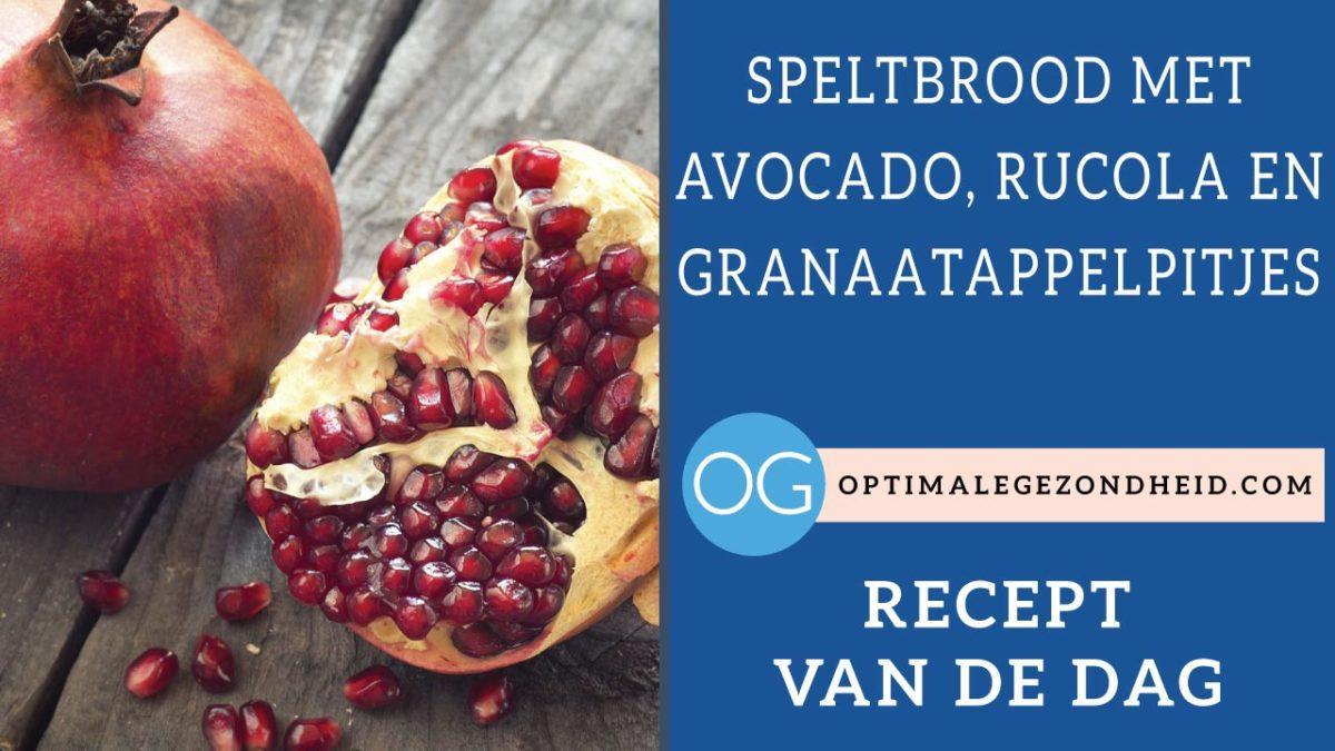 Recept van de dag: Speltbrood met avocado, rucola en granaatappelpitjes