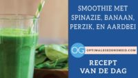 Recept van de dag: Smoothie met spinazie, banaan, perzik, en aardbei