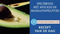 Recept van de dag: Speltbrood met avocado en granaatappelpitjes
